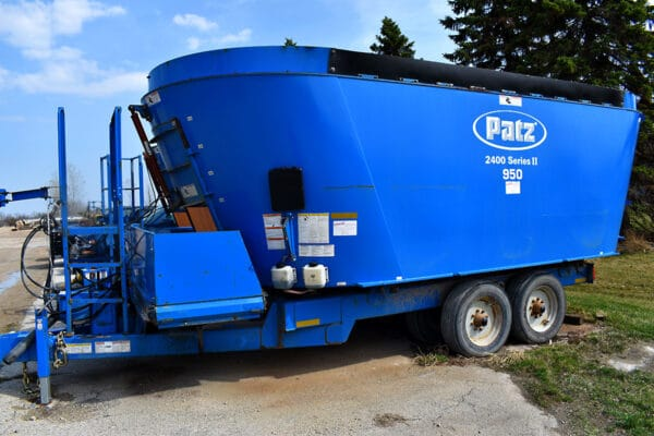 Used PATZ 950 Trailer Mixer for sale.