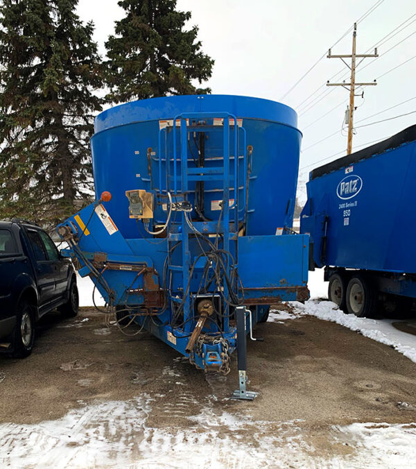 Used PATZ 950 Trailer Mixer front hitch.