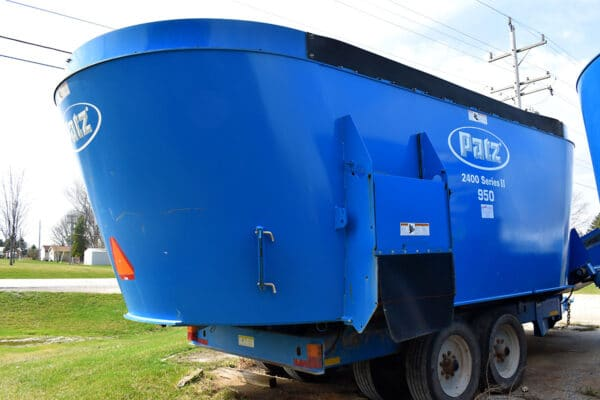 Used PATZ 950 Trailer Mixer front side.